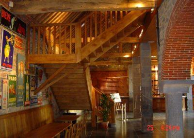 Photo escalier 2/4 tournant en chêne avec palier de repos