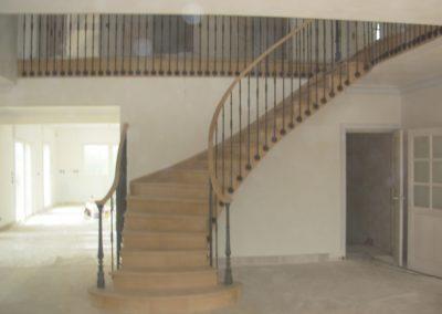Escalier débillardé en chêne