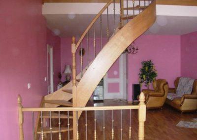 photo escalier chêne 2/4 tournant balustre métallique et bague