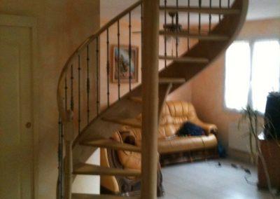 photo escalier hélicoïdal en frêne, sans contre marche