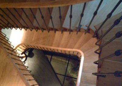 photo escalier chêne débillardé à l'anglaise sur plusieurs étages