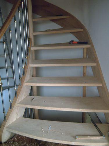 photo escalier chêne départ évasé avec inox