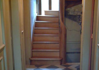 photo escalier encloisonné