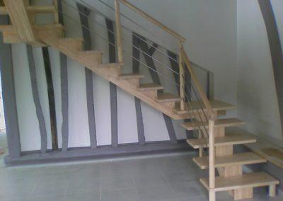Escalier frêne limon central